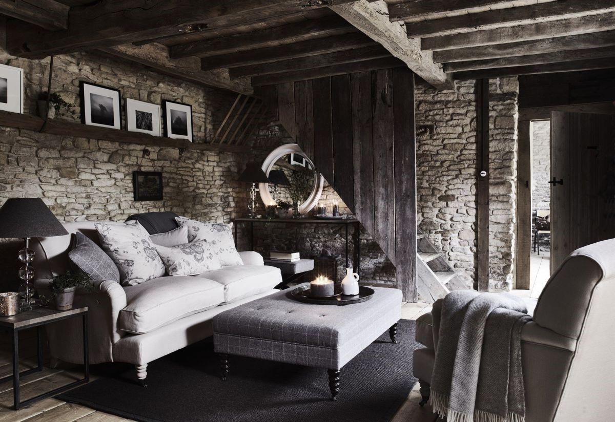 Salon chaleureux en 2020: cette combinaison d'éléments naturels comme le bois et la pierre est tout simplement incroyable.