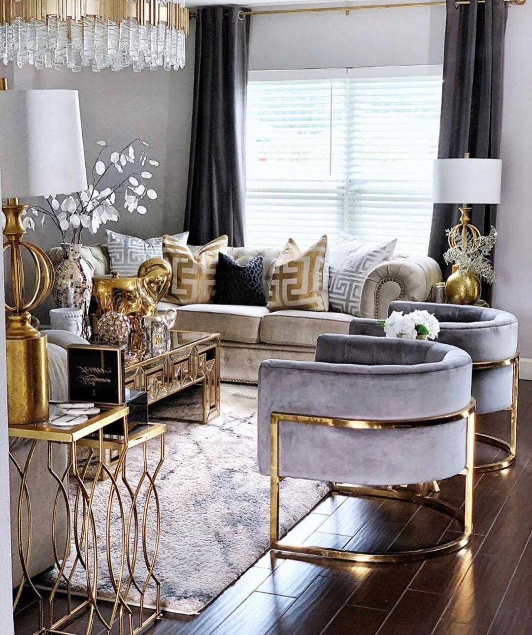Un exemple de salle de séjour luxueuse mais toujours confortable.