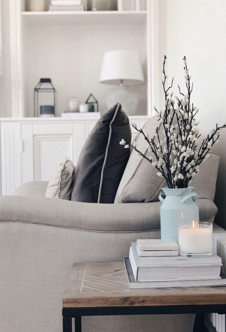 Salon cozy minimaliste.