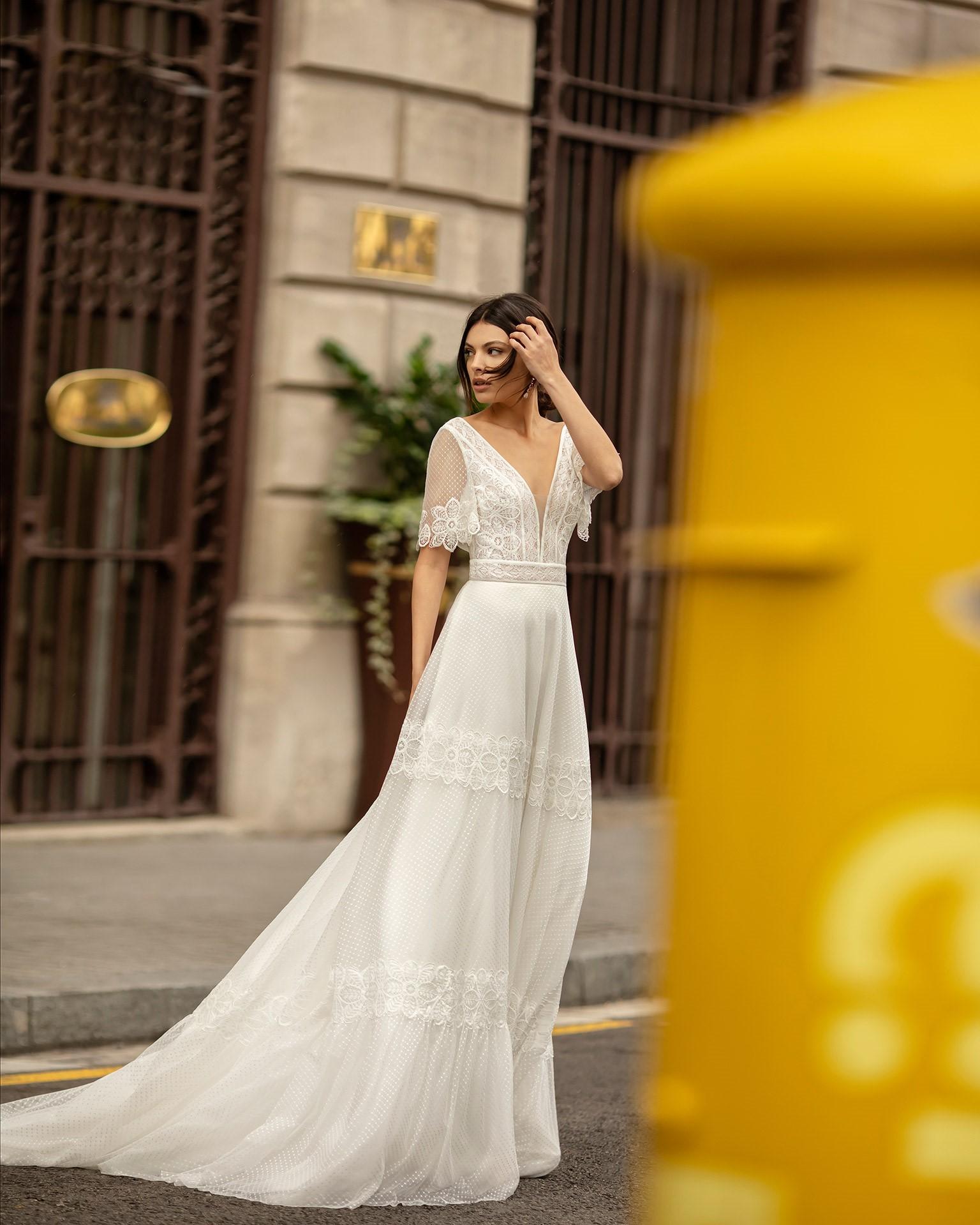 La dentelle de style bohème est généralement d'apparence plus rustique et, le plus souvent, elle est disponible dans des teintes blanches ou ivoire.