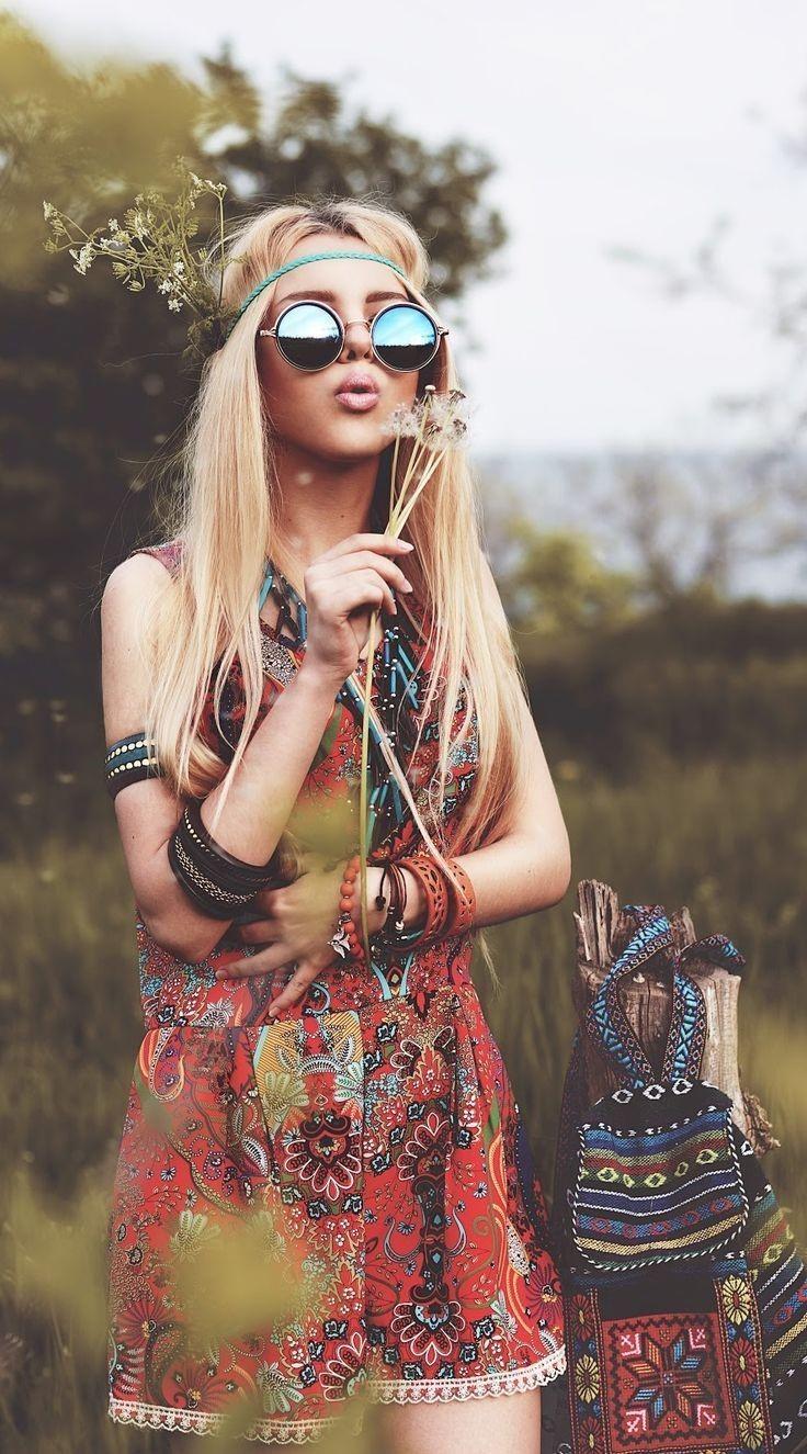 Les hippies sont allés à l'encontre des silhouettes rationalisées, polies et élégantes de la décennie précédente.