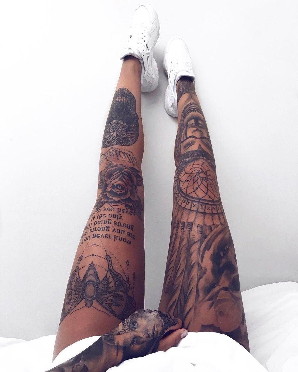 Avec les tatouages, il n'y a pas de règles - vous pouvez combiner différentes formes et styles.