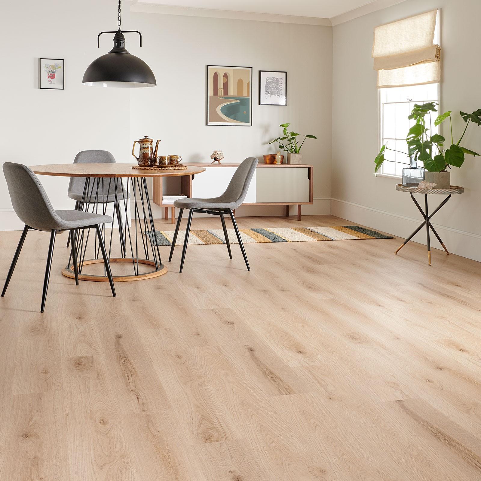 Tendances parquet en 2020: Parquet flottant pour votre salle à manger.