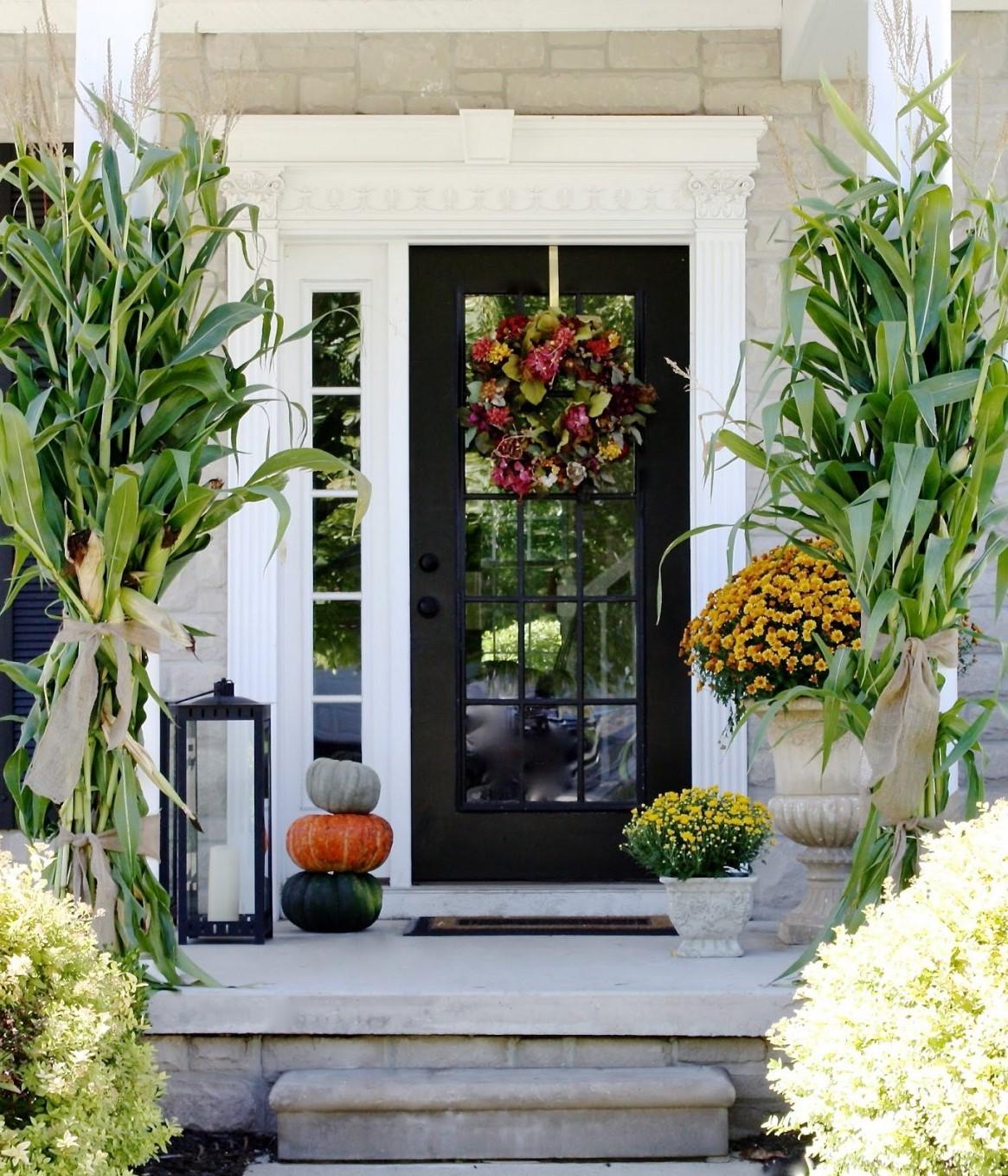 Idée déco automne pour votre porte d'entrée.