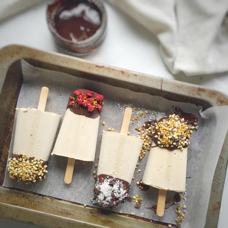 Expérimentez en ajoutant différentes saveurs à la crème glacée.