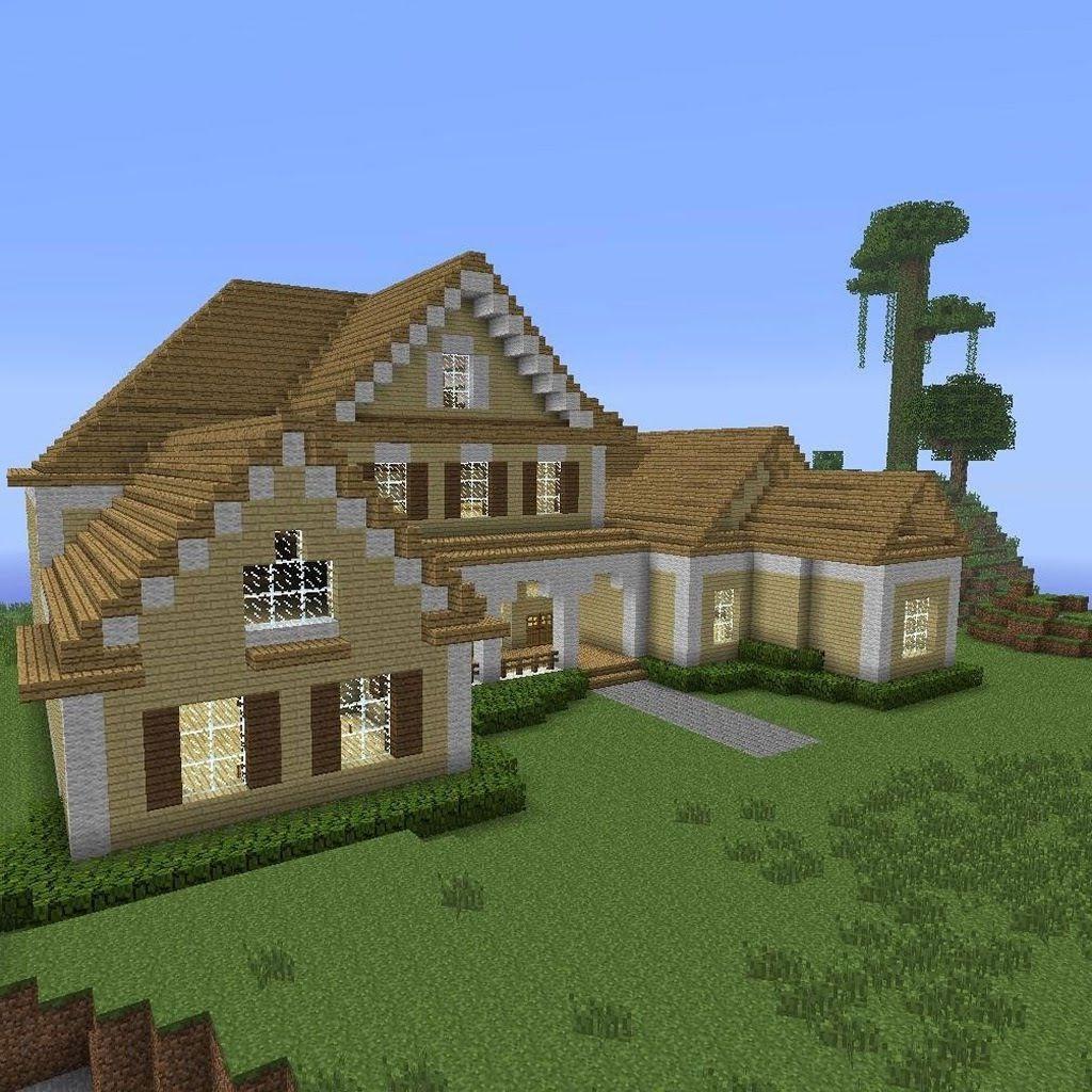 Maison rustique entourée d'une prairie apaisante.