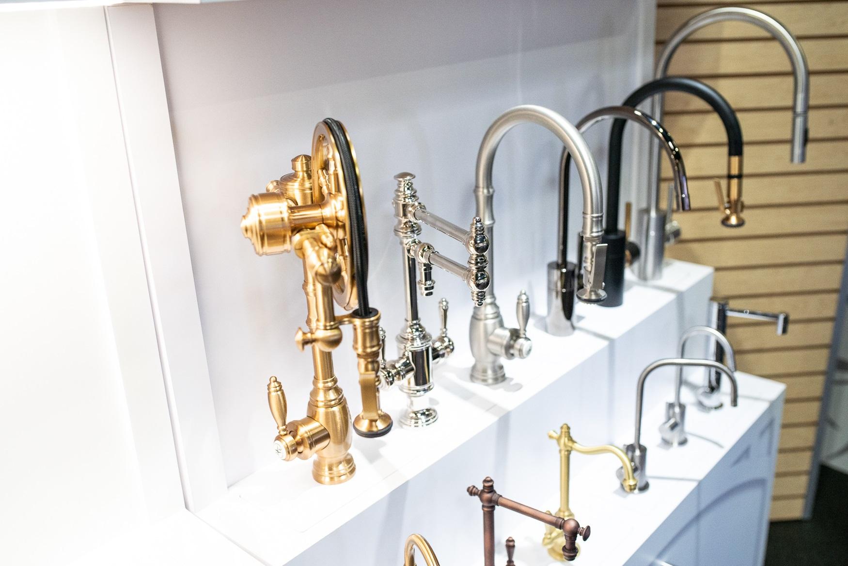 Curieux designs de robinets de cuisine.