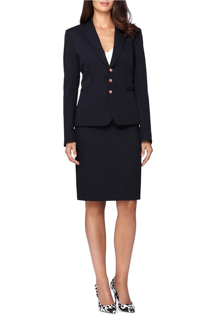 Costume femme classique avec une jupe en noir