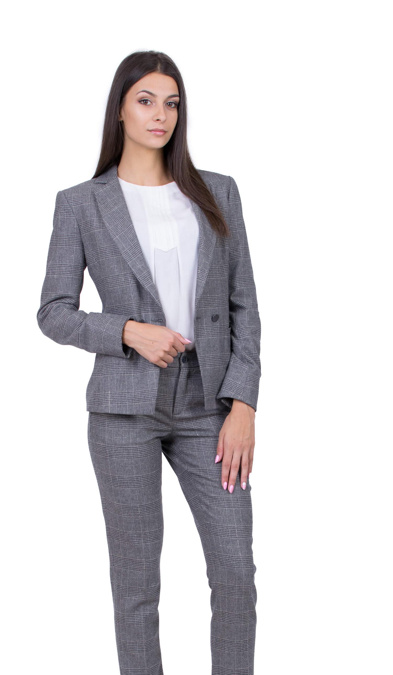 Tailleur femme classique en un carré gris