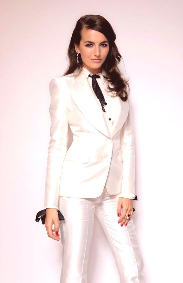 Costume femme classique en blanc