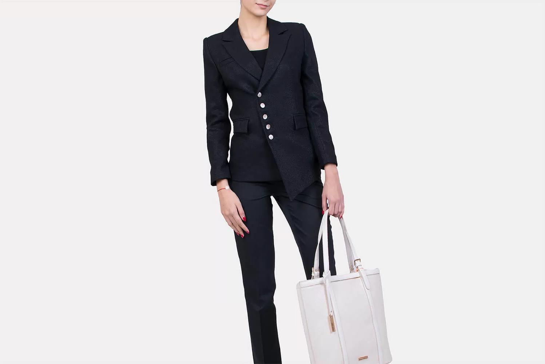 Costume classique simple pour femme en noir