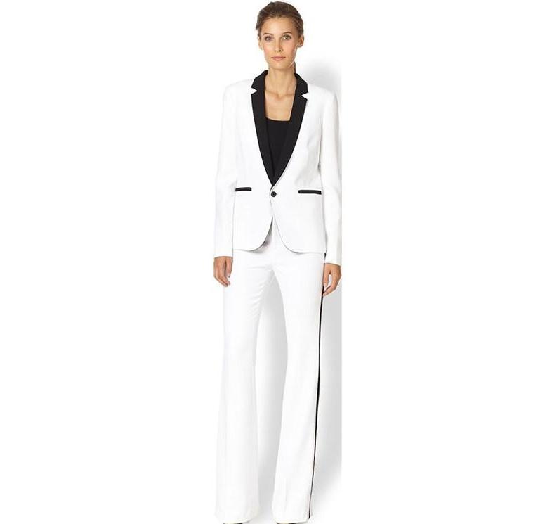 Costume femme moderne en blanc