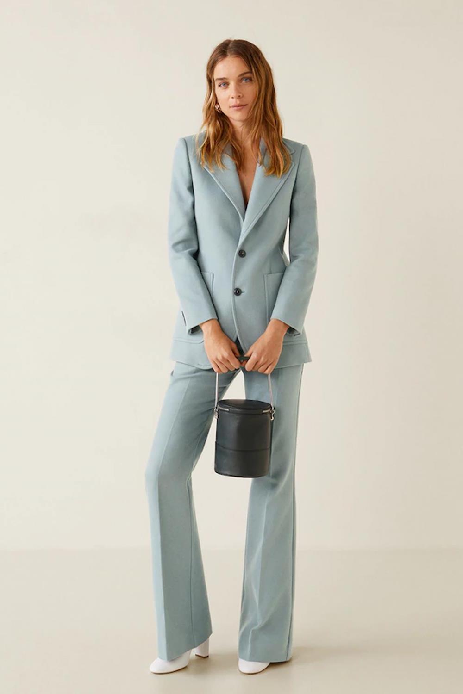 Tailleur femme avec une veste longue