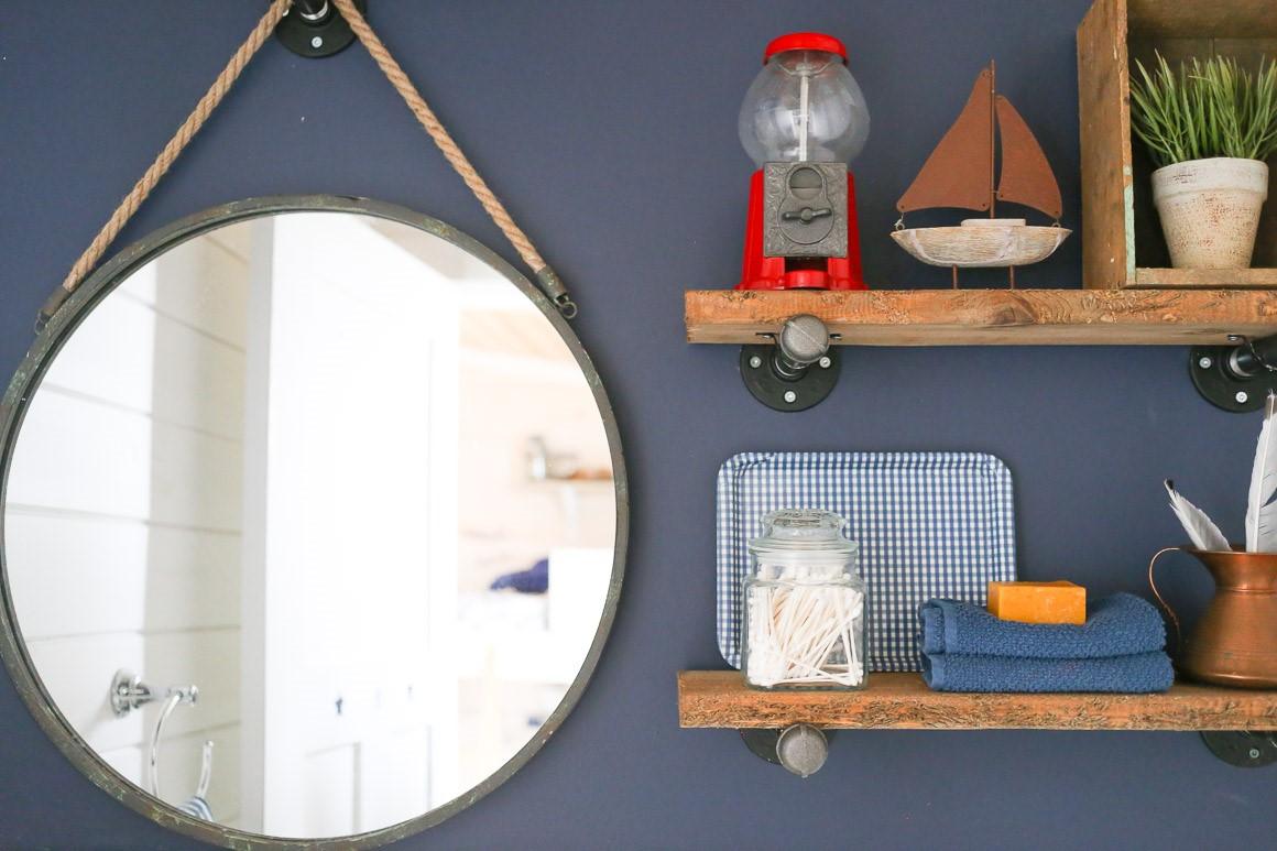 Fabriquer un miroir industriel à la maison.