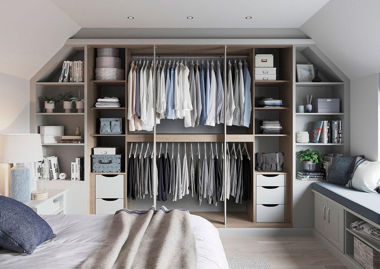 Les armoires sur mesire sont un choix excellent pour les chambres sous pente.