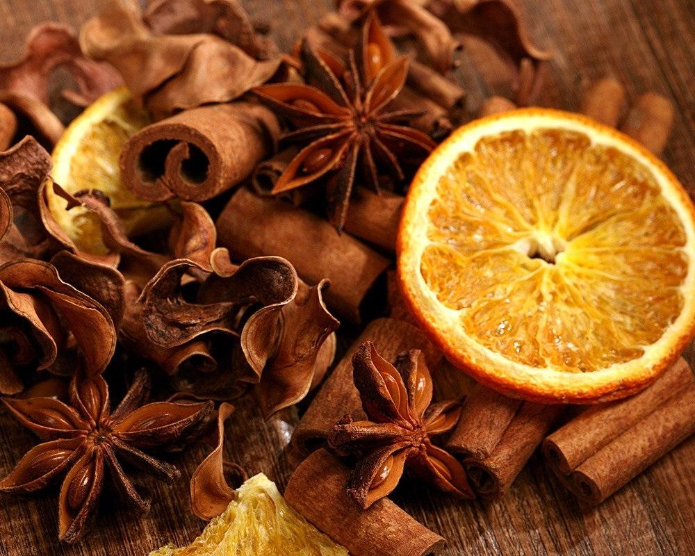 Pot-pourri à l'anis, à la cannelle et à l'orange.