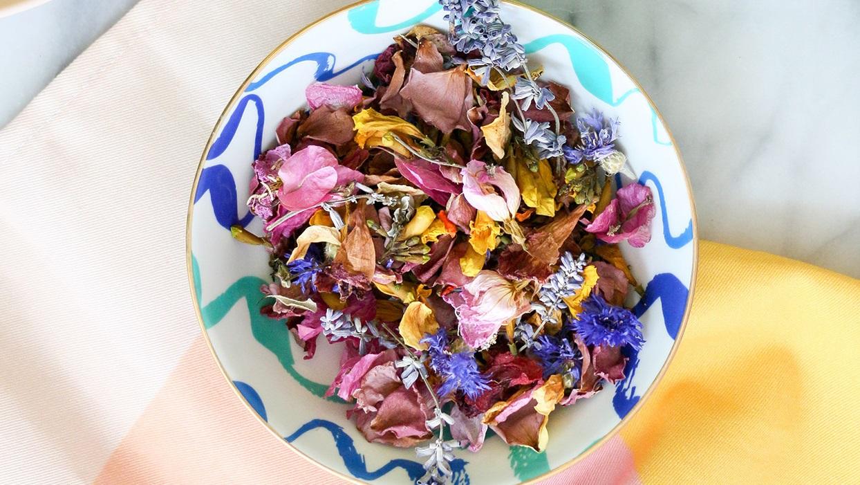 Pot-pourri multicolore.