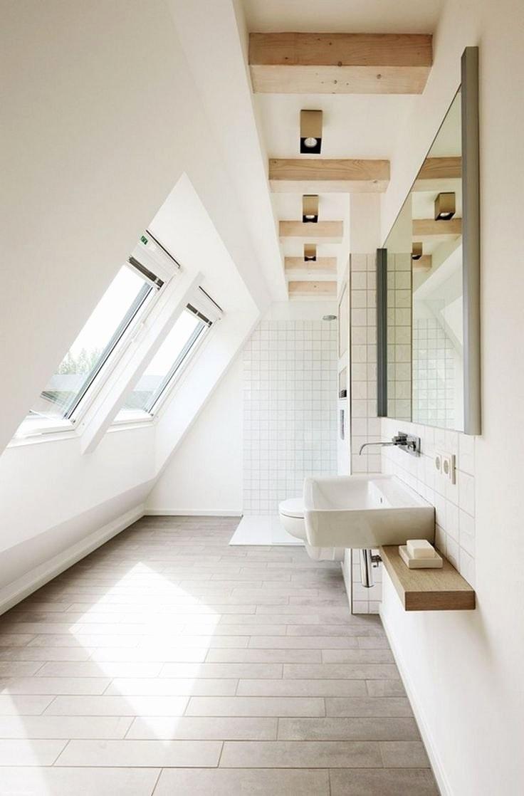 Salle de bains monochrome.