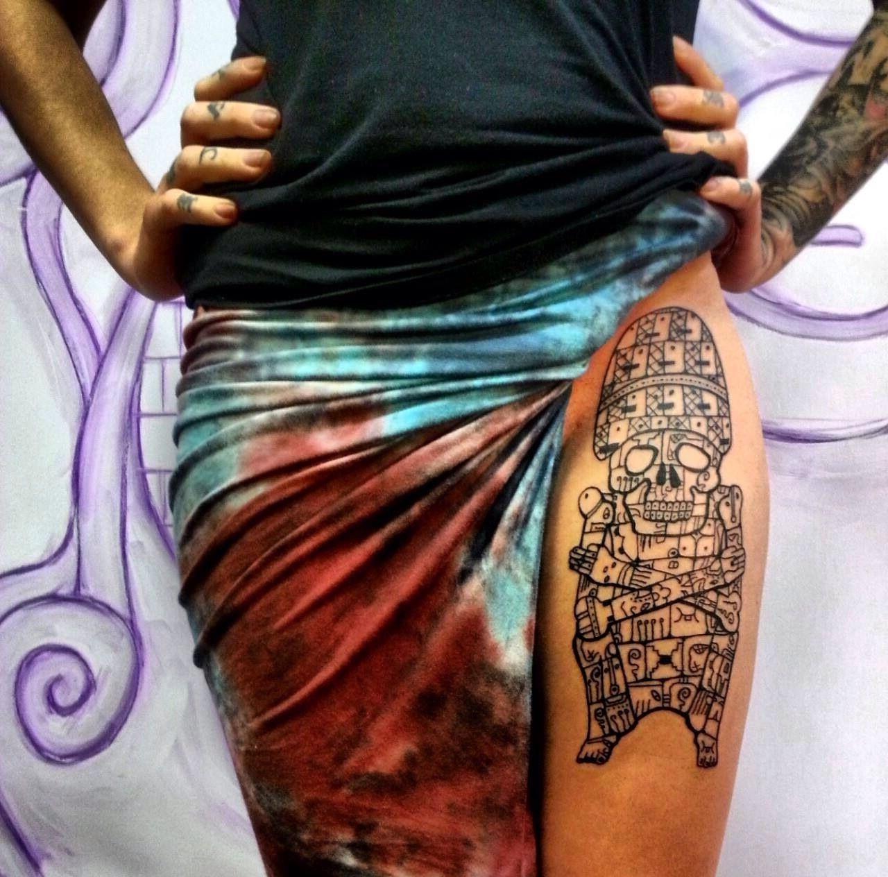 Tatouage maya crâne.