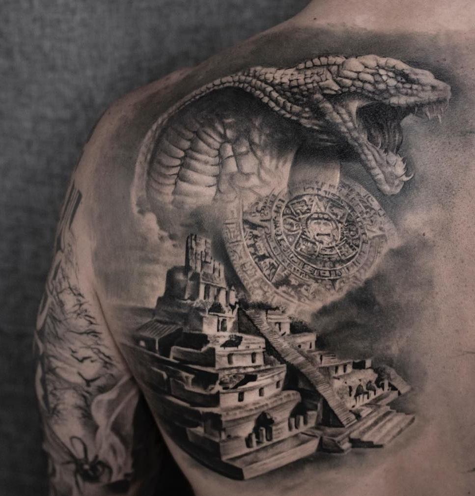 Conception impressive de serpent, pyramide et calendrier maya.