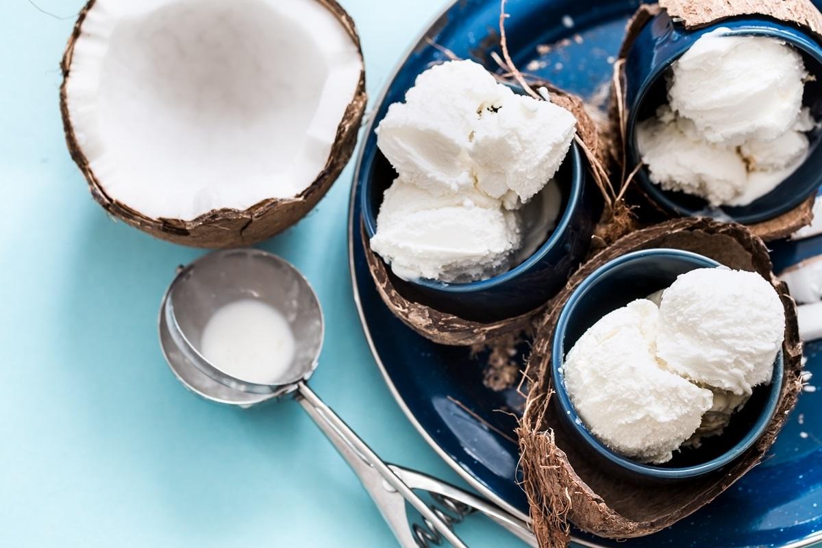 Glace à la noix de coco.