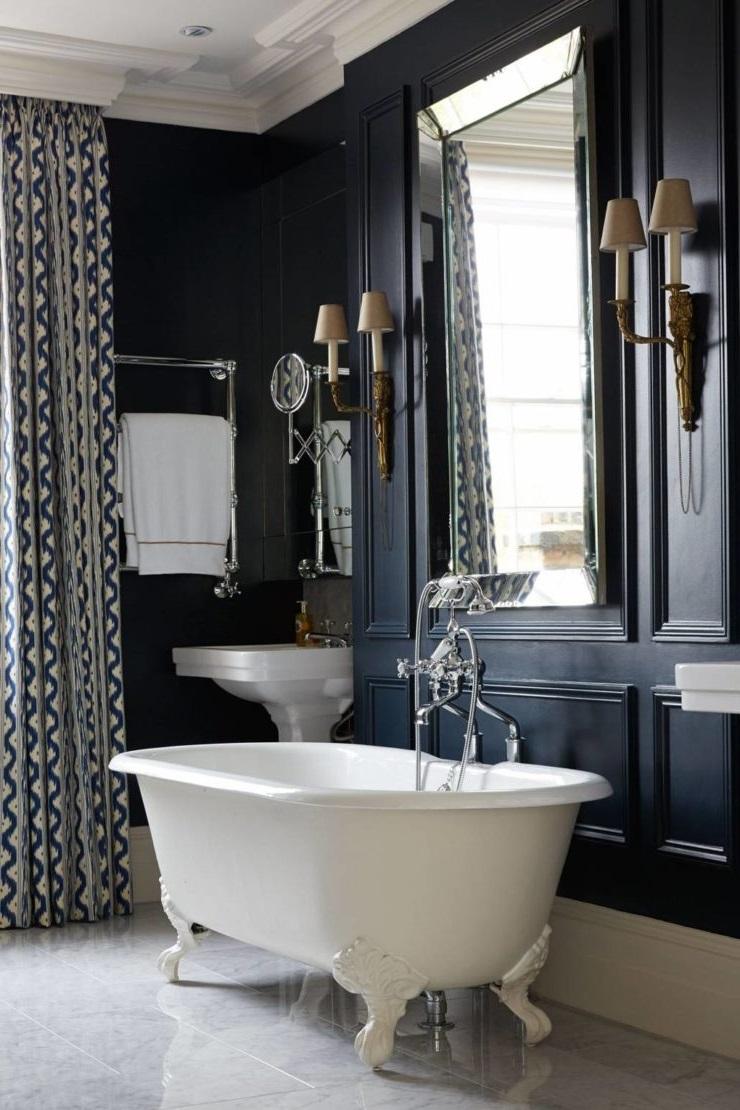 Élégante salle de bain anglaise.