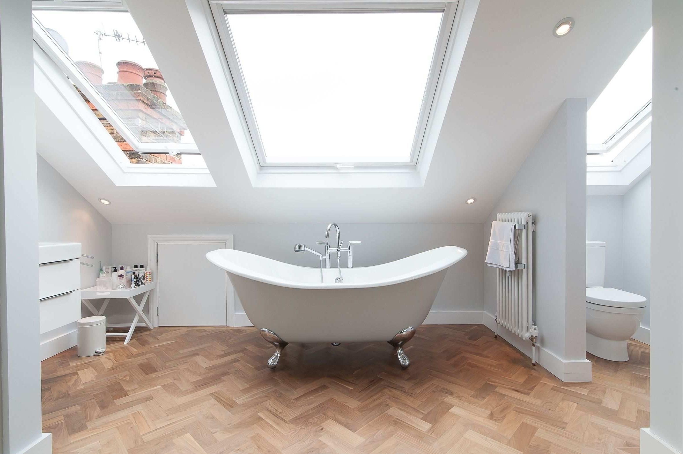 Salle de bains minimaliste.