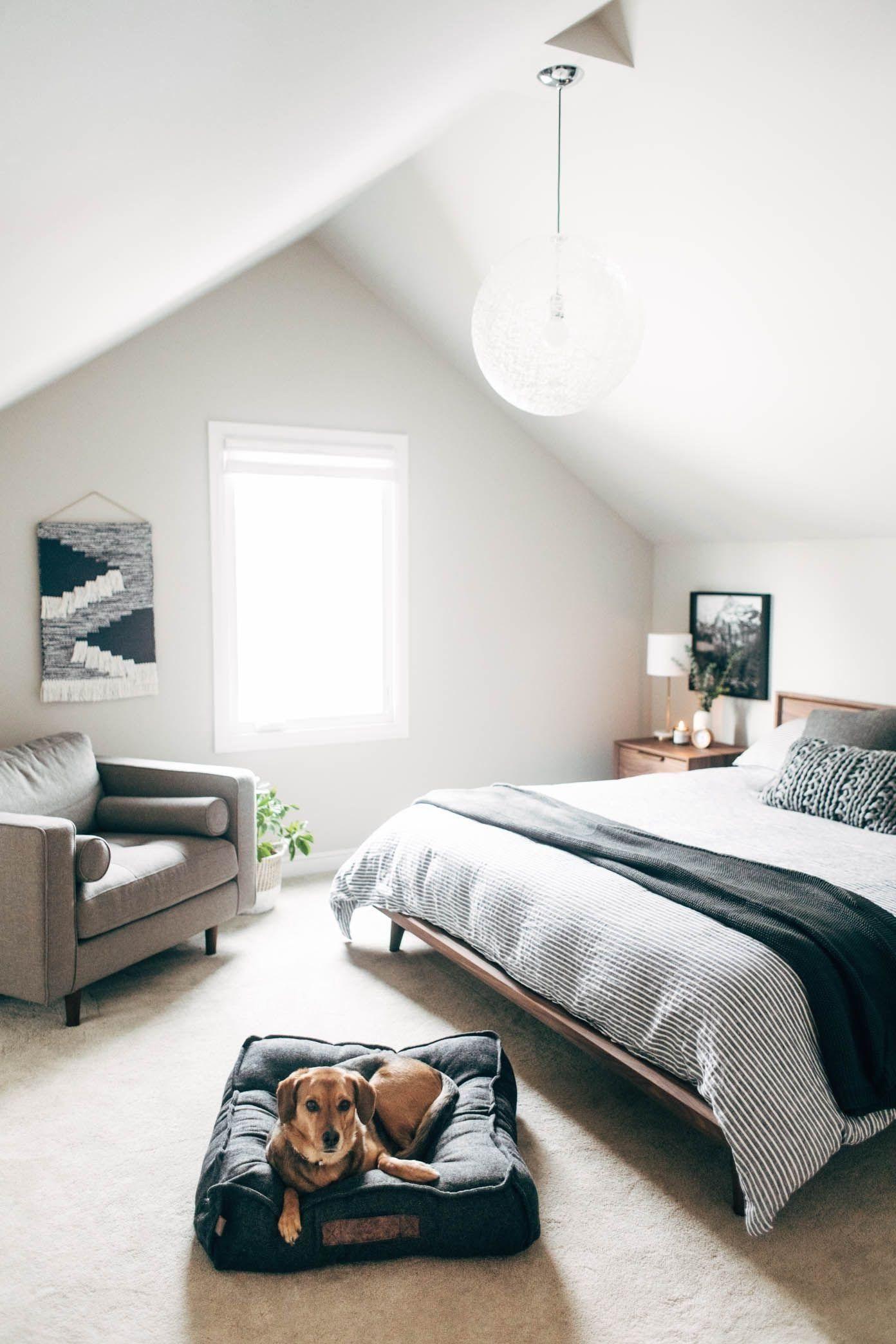 Chambre à coucher dans le grenier.