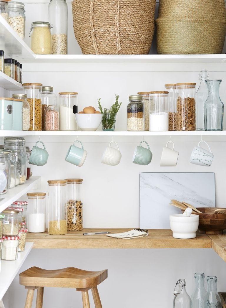 Faites votre cuisine paraître plus grande en utilisant nos conseils.