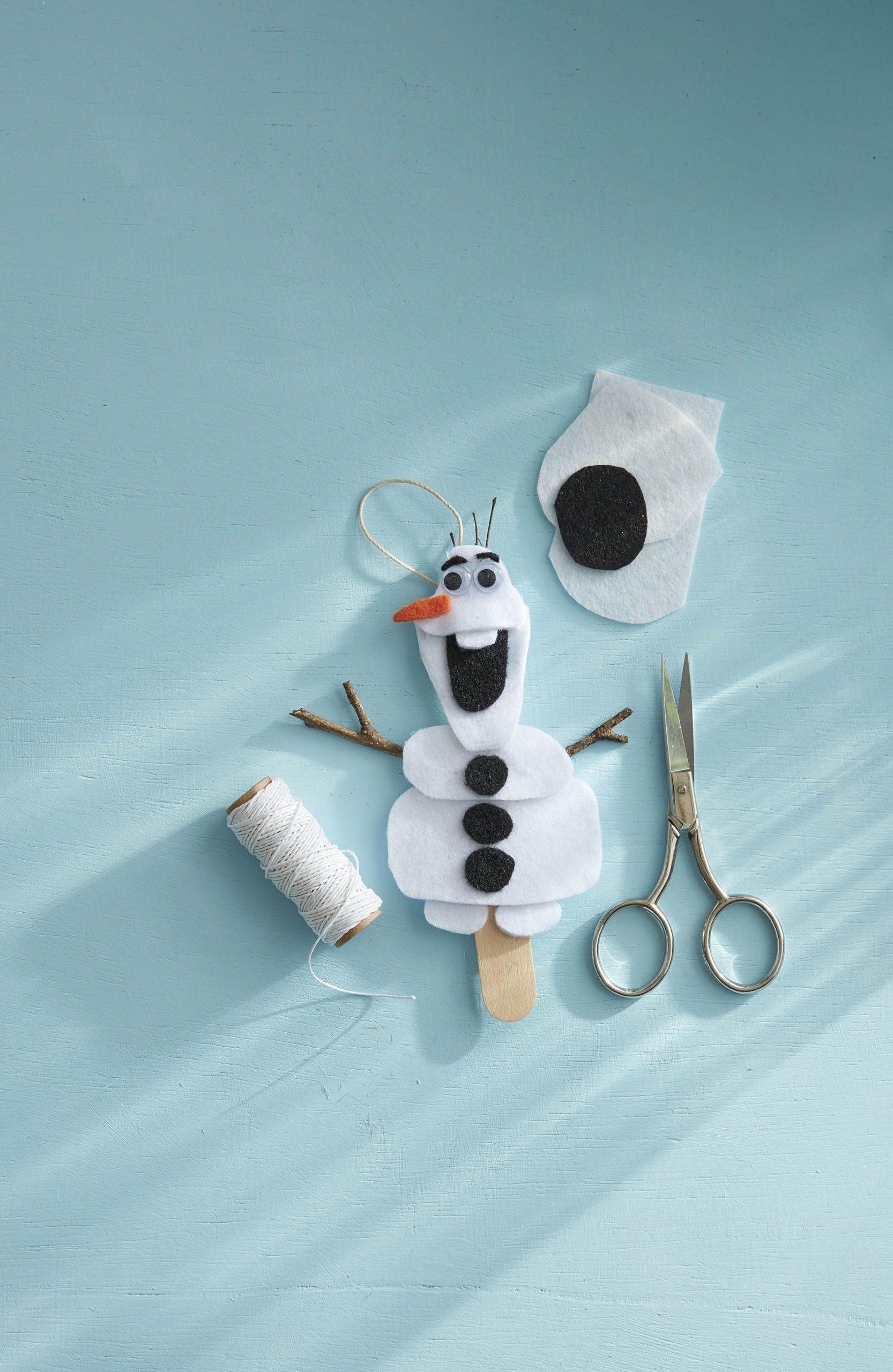 Ornement Olaf en feutre.