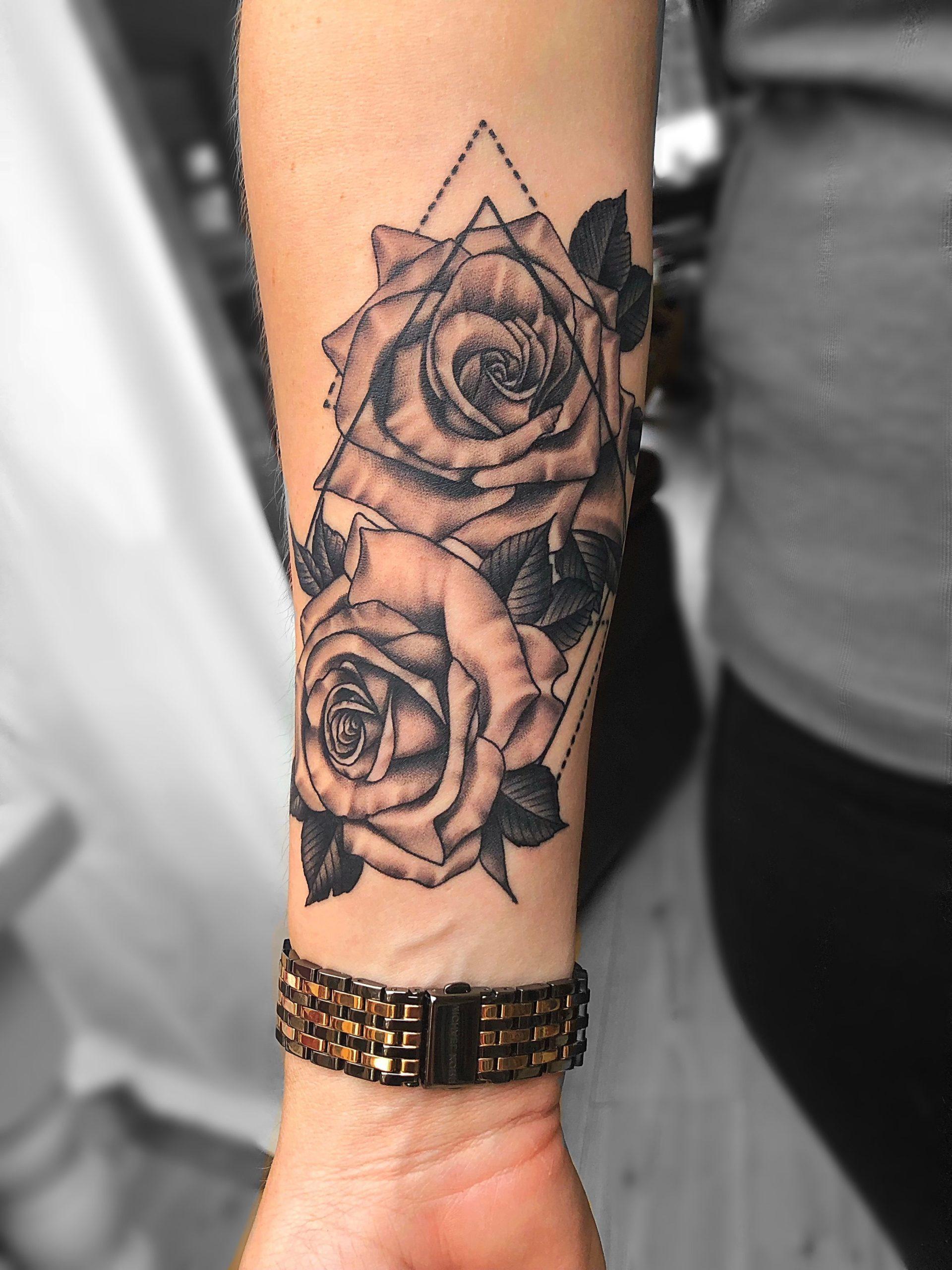 Tatouage avant-bras pour femme.