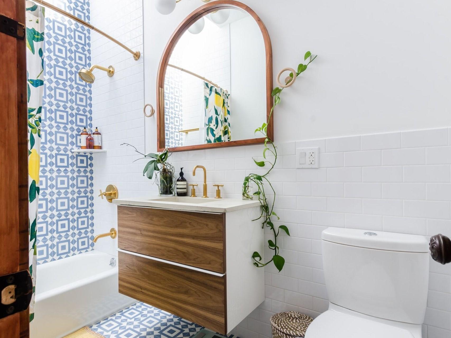 Aménagement d'une petite salle de bain.